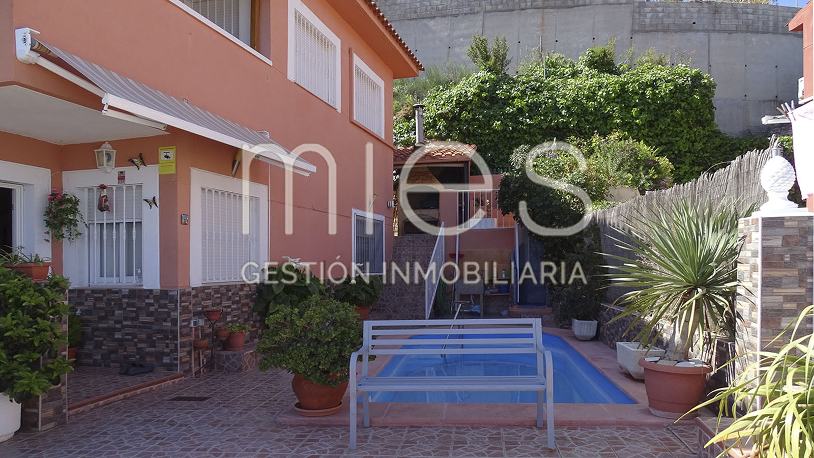 mies inmobiliaria vende chalet chiva