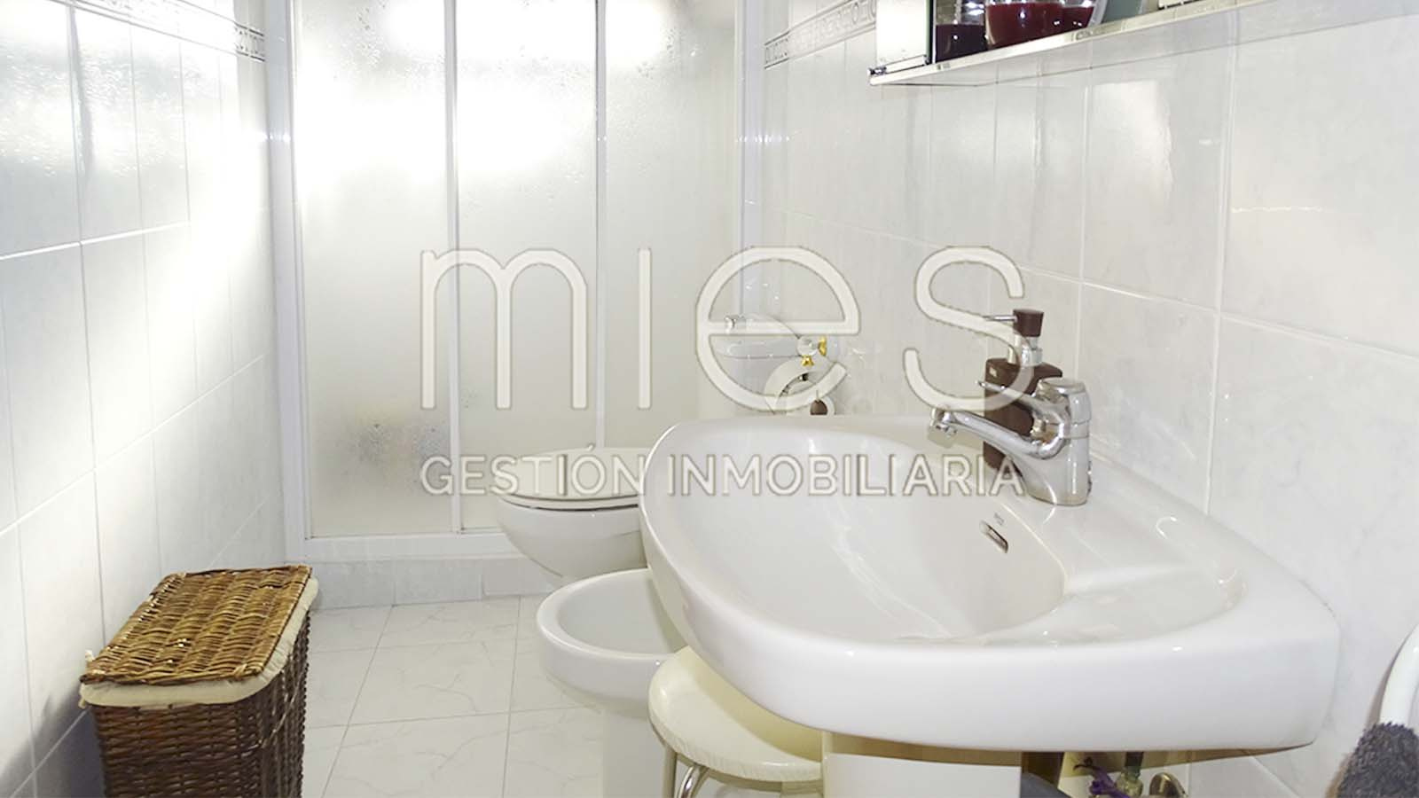 inmobiliaria-mies-vende-chalet-torrent